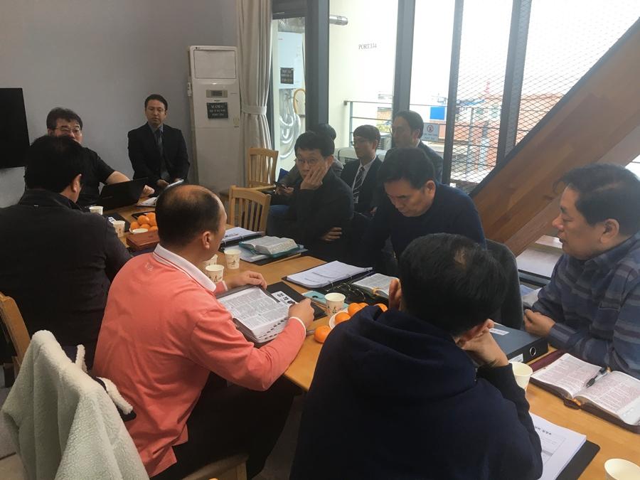2019다운교회정책당회 (5).jpg