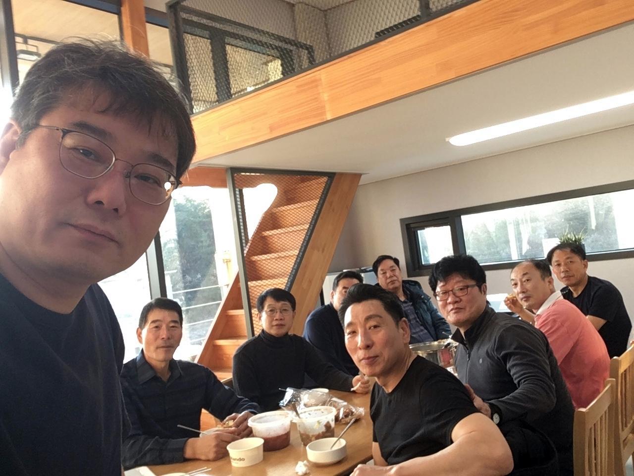 2019다운교회정책당회 (7).jpg