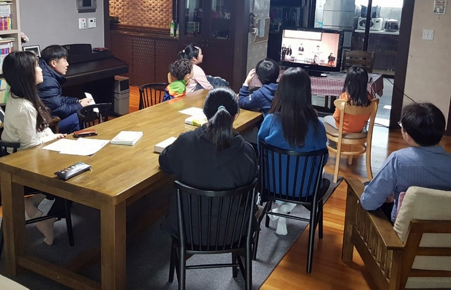 3월29일가족목장별주일예배사진 (10).jpg