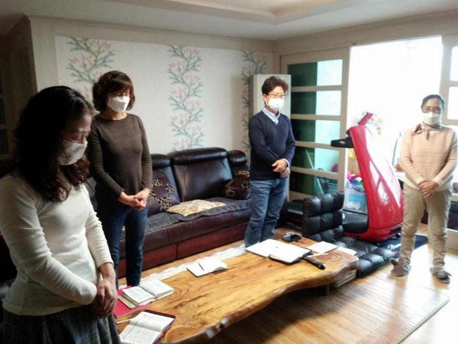 3월29일가족목장별주일예배사진 (12).jpg