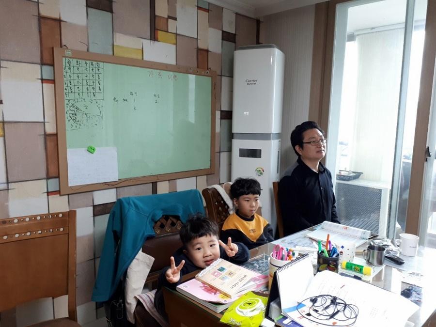 3월29일가족목장별주일예배사진 (6).jpg