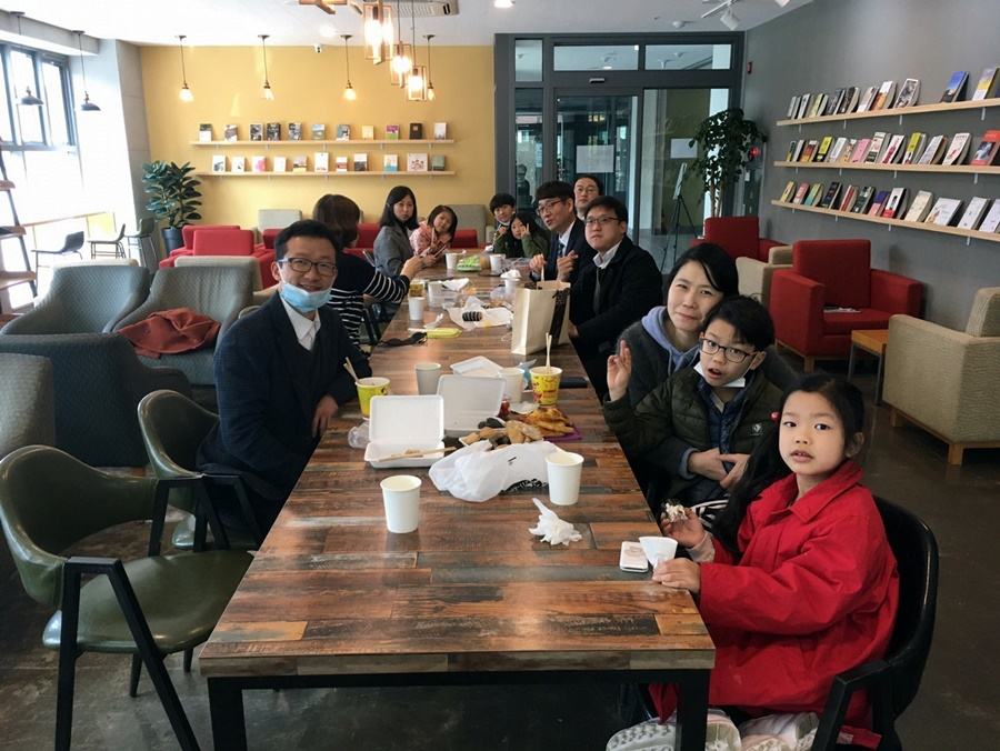 3월29일가족목장별주일예배사진 (1).jpg